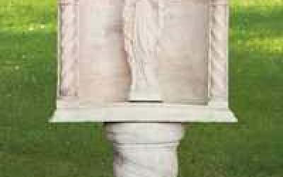 Sacro da giardino in cemento bianco, Sa05