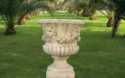 vaso cemento bianco calice leone festonato Vs013