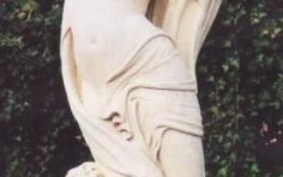 Gartenfiguren Venus mit Schleier, St74