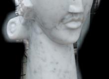 scultura moderna in marmo Carrara busto totem TSM04MC