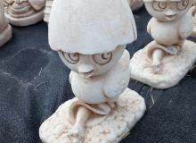 Calimero in cemento bianco, TA081