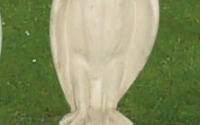 Falco da giardino in cemento bianco, TA21D