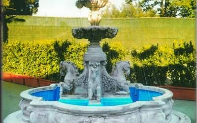 Fontana in cemento bianco, Guastalla  TF03 + vasca TF04 (La foto è puramente indicativa.)