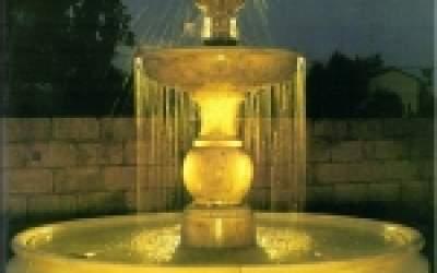 Fontana funzionante con luci e pompa in cemento bianco, Vitruvio, TF22+kit