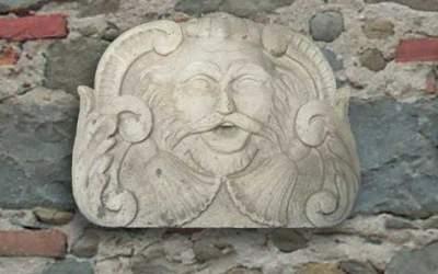 maschera in cemento bianco, Ma03
