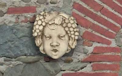 maschera da giardino in cemento bianco, Ma06