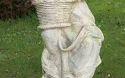 Statua fanciulla con fiore St60